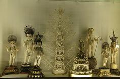 Ejemplares representativos de las escuelas hispanofilipina e indoportuguesa, realizados entre los siglos XVII al XVIII.. Sala Marfiles - 3 Museos