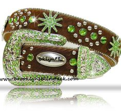 Unique brown belt with green and silver bling. Pink Cowgirl Boots, Cowgirl Belts, Western Belt Buckles, Cowgirl Bling, Western Belts, Cowgirl Style, Western Wear, Country Belts, Spurs Western
