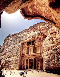 Petra - Giordania (Really want to visit it! Places Around The World, Oh The Places You'll Go, Travel Around The World, Places To Travel, Travel Destinations, Places To Visit, Around The Worlds, City Of Petra, Wadi Rum