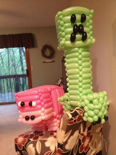 Incredible Creeper and pig balloon decorations for a #Minecraft Party | Flickr - Photo Sharing!
