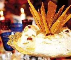 Recept: Vaniljparfait med pepparkakor och lingon