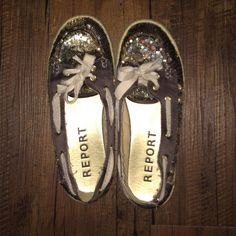Camo Sequin Flats Where are my military sweeties?! These shoes are adorable and super comfy but only worn on Veterans Day for two years in a row (so worn twice.) These adorable shoes are looking for a new forever home! Report Shoes Flats & Loafers
