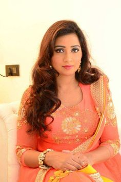 Shreya Ghoshal New stills