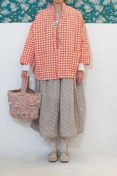 Marvelous Crochet A Shell Stitch Purse Bag Ideas. Wonderful Crochet A Shell Stitch Purse Bag Ideas. Diy Crochet And Knitting, Crochet Shell Stitch, Hand Knit Bag, Look Fashion, Fashion Outfits, Fasion, Olive Clothing, Crochet Handbags, Crochet Bags