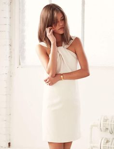 Robe blanche : éléganteRobe blanche courte, Gat Rimon, 184 €.