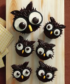 Wow-'Em Ways to Decorate Cupcakes