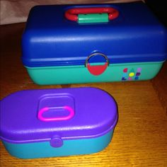 Caboodles Makeup Case blue teal plus mini case vtg Model 2602 has some scuffs and spots. Made in USA. Plus mini case with mirror! caboodles Makeup