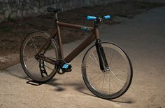 Blog and website about fixed gear / fixie / fat bikes, single speed, trackbike, keirin, design, bicycles, videos, photos, pics