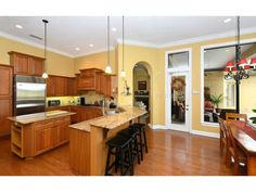 6915 Westchester Cir, Lakewood Ranch Property Listing: MLS® #A3992578