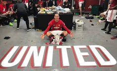 Ibrahimovic leva 3 jogos de suspensão por cotovelada em rival