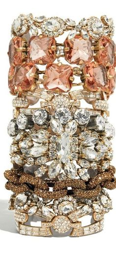 Bling! Bling! Loving glitzy jewelry lately, especially with casual outfits like jeans and tees. #Accessorize #FrostYourself