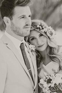 Amazing 30+ Must Have Fun Wedding Photo Ideas https://weddmagz.com/30-must-have-fun-wedding-photo-ideas/