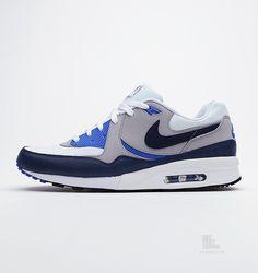 Nike Air Max Light Essential