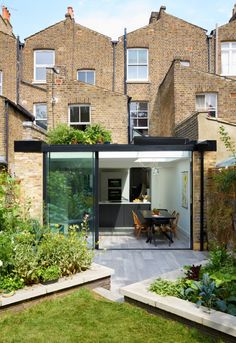 13 Coolest Modern Terrace And Outdoor Space Design Ideas – My Life Spot House Extension Design, Glass Extension, Rear Extension, House Design, Extension Ideas, Victorian Terrace House, Victorian Homes, Conservatory Kitchen, Indoor Outdoor Kitchen