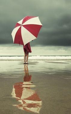 janetmillslove:  Reflection #umbrella moment love. Wild Fauna...