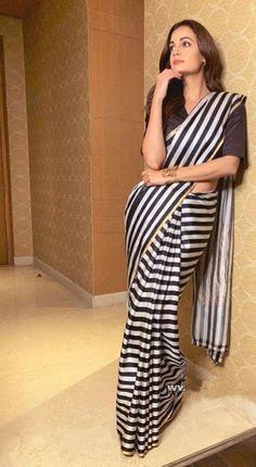 Indian Groom Wear, Indian Wear, Modest Fashion, Fashion Dresses, Saree Poses, Sari Design, Trendy Sarees, Photography Poses Women, Saree Look