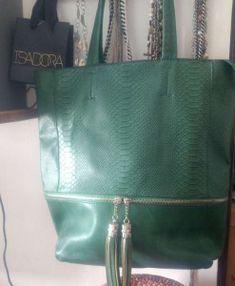 7e4c17231ed0db776dc477edf9f5a3c4 Ted Baker, Tote Bag, Bags, Fashion, Style, Handbags, Moda, Fashion Styles, Totes
