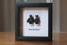 Super-héros encadré Mini Figures Batman et Catwoman fait de Lego