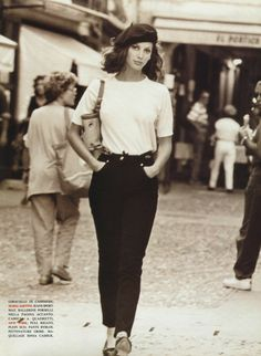 Vogue Italia 1992 Christy Turlington by Arthur Elgort Fashion Guys, Look Fashion, 90s Fashion, Vintage Fashion, Italy Fashion, High Fashion, Linda Evangelista, Christy Turlington, Mode Chic