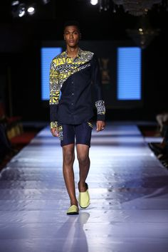 4 Factors to Consider when Shopping for African Fashion – Designer Fashion Tips African Shirts For Men, African Dresses Men, African Blouses, African Wear, African Women, Nigerian Men Fashion, African Print Fashion, Africa Fashion, Estilo Fashion