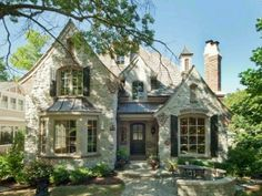 Love this cottage! Stone and brick mixed exterior; swooping roof line; so much curb appeal I can hardly stand it Patio Interior, Interior Exterior, Exterior Colors, French Cottage, French Country House, Tudor Cottage, Country Style, Stommel Haus, Cottage Style Homes