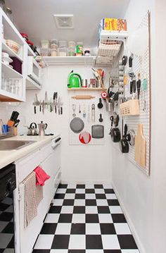 Small Retro Kitchen. Great tips for small spaces.