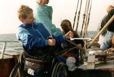 Bootuitstappen  Op deze pagina kan u allerlei boten in Nederland vinden die aangepast zijn aan andersvaliden.  Zie