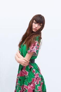 H&M dress with graphical print Dresscodes | Kjoler, Grøn