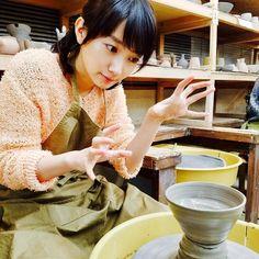 いいね!17件、コメント1件 ― Hinataさん(@hiiiiiiiiii0617)のInstagramアカウント: 「ポーズとか髪型とか指とか眉毛とか表情とか全部可愛い、全部好き #波瑠ちゃん #波瑠 #陶芸 #あなそれ」