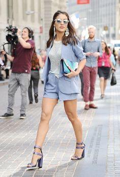 New York Fashion Week, Day Camila Coelho. Short ensemble, baby blue shorts and blazer summer outfit Casual Fashion Trends, Summer Fashion Trends, Fashion Week, Star Fashion, Look Fashion, Summer Trends, Fashion Photo, New York Fashion, Pastel Shorts
