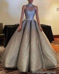 "22 mil curtidas, 64 comentários - Loving Haute Couture (@lovinghautecouture) no Instagram: ""Sparkling ✨ Gown by @markbumgarner"""