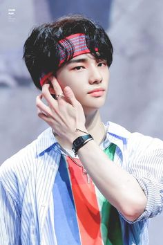 look at this fucking hand Jooheon, Rapper, Park Jinyoung, Kids Hands, Lee Know, Kpop Boy, Boyfriend Material, Korean Boy Bands, K Idols