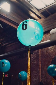 Whimsical New York Wedding at MyMoon balloon table number - photo by Khaki Bedford Photography ruffl Large Balloons, Number Balloons, New York Wedding, London Wedding, Diy Wedding Video, Wedding Ideas, Wedding Inspiration, Balloon Table Centerpieces, Whimsical Wedding