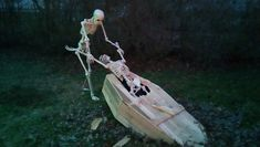 """Animated """"Coffin Puller"""" Halloween prop"""