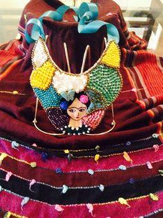 Collar bordado a mano,con diferentes aplicaciones,estilo Frida Kahlo.. Matlove Artesanal,Monica Cidrian.