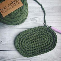Начало кое-чего небольшого мило-дерзкого За пряжей @boncotton_yarn #трикотажнаяпряжамосква #трикотажнаяпряжабонкоттон #тпряжа #вязание #вязаниекрючком #вязаниеназаказ #trapillo #crochet #овалкрючком