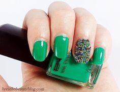 Uñas decoradas con caviar de colores | Decoración de Uñas - Manicura y NailArt