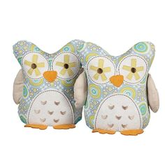 Set of 2 aqua gio print owl bookends. Made out of 100% cotton fabrics, 100% polyester fill & polyester accents.