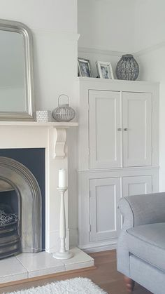 Alcove cupboards Victorian Living Room, Cottage Living Rooms, New Living Room, Interior Design Living Room, Living Room Designs, Alcove Wardrobe, Bedroom Built In Wardrobe, Guest Bedroom Office, Alcove Ideas Living Room