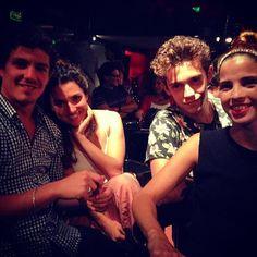 Facu Alba Rugge y Cande en el backstage de #Taquicardia la nueva produccion teatral protagonizada por Flor Benitez #FacuGambandé #AlbaRicoNavarro #RuggeroPasquarelli #CandeMolfese #Falba #Ruggelaria by violetta.oficial