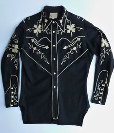 Frontier Shirt Men's vintage western shirt Black w/ white chainstitch & piping. XS- S. Vintage Western Wear, Vintage Cowgirl, Men's Vintage, Basic Outfits, Cool Outfits, Western Dresses For Women, The Woman In Black, How To Have Twins, Shirt Embroidery
