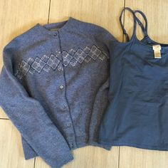 Womens set sweater and Cami Beautiful super soft lambswool sweater and I am adding a really nice like new stretch Cami with built in shelf bra! Both the sweater and the top are so soft I just thought they would go nicely together. Both in larges but would also fit a medium Bass & J Jill Sweaters Cardigans