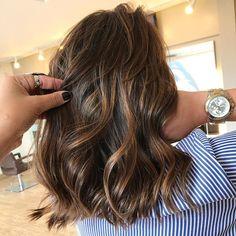 Mechas Doce de leite + avelã . Apaixonado nesse tom ❤ #hairstyle #cabelos #hairtrend #hairstylist #avela #docedeleite #hair