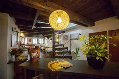 Kam chodí vegani? 9 podniků, které musíte navštívit   Storyous Magazín Table Settings, Place Settings, Tablescapes