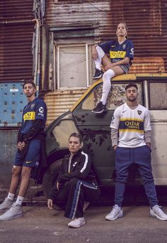 Nike Launch Boca Juniors Home & Away Kits - SoccerBible Classic Football Shirts, Vintage Football Shirts, Football Fashion, Football Outfits, Group Picture Poses, Street Football, Bff Poses, Jersey Outfit, Football Design
