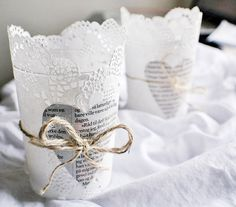 Lovely lace for your table accents. Find inspiring ideas that are actually quite simple and elegant: lace doilies candle. Paper Doilies, Paper Lace, Paper Napkins, Lace Wedding Decorations, Lace Decor, Lace Weddings, Chic Wedding, Wedding Ideas, Wedding Lace
