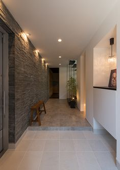 Best Home Decorating Stores House Entrance, Entrance Hall, Entrance Design, Home Interior Design, Interior And Exterior, Japanese House, Elegant Homes, Modern House Design, House Rooms