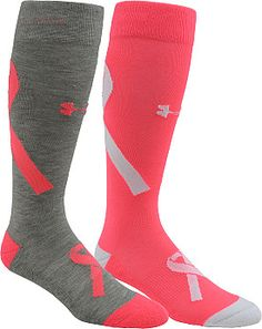 These UNDER ARMOUR® women's Power in Pink® over-the-calf socks are designed to make you feel better during your workouts, with the bonus of supporting breast cancer charities.