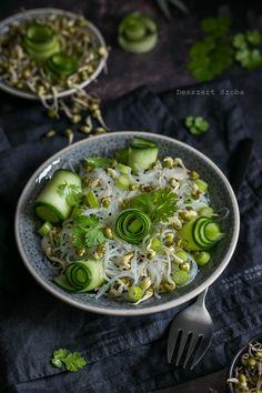 Mungóbabcsírás üvegtészta-saláta - DESSZERT SZOBA Lime, Ethnic Recipes, Food, Cilantro, Eten, Limes, Meals, Key Lime, Diet