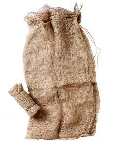 Bag It Up  Make your own leaf mold (a rich, beneficial mulch of decomposed leaves) with biodegradable jute bags.